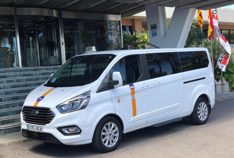 Hire private minibus in Palmanova
